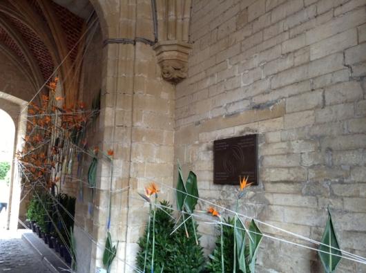 Цветочное панно у входа на выставку «Флория», Ратуша, Гранд Пляс, Брюссель