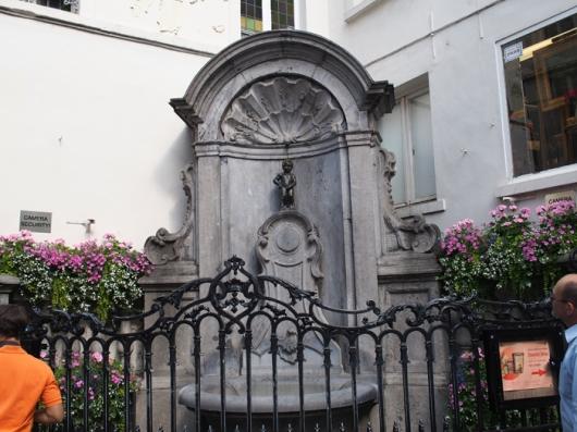 «Писающий Мальчик (Manneken Pis)», Брюссель