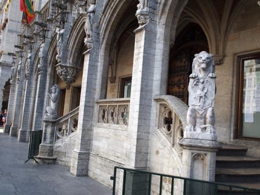 Центральный вход в Ратушу, Гранд Пляс, Брюссель